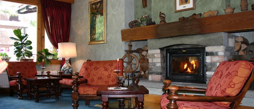 italy_cervinia_hotel_valdotain_lounge.jpg